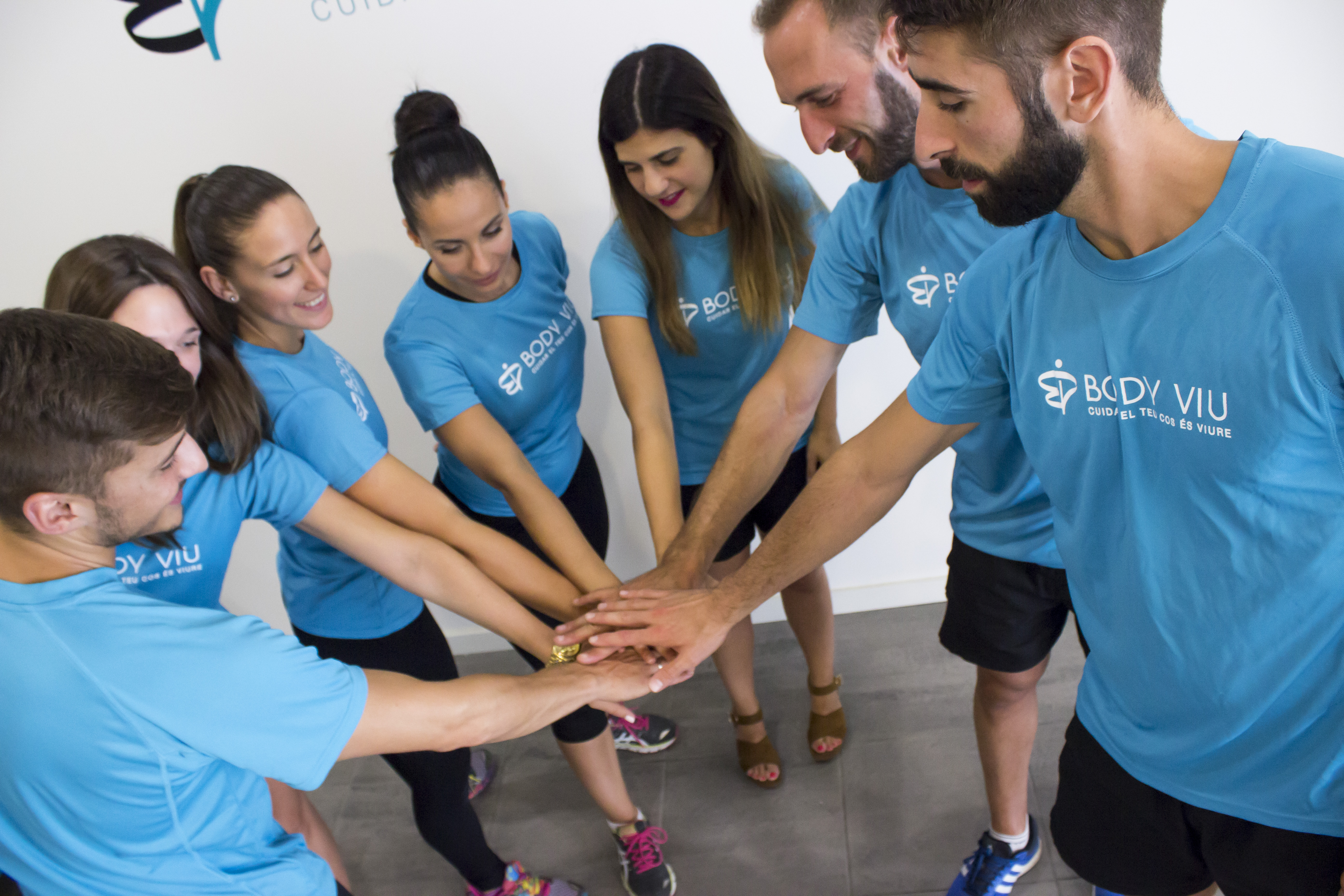 Els nostres companys de Body Viu, ens mostren un entrenament en suspensió, que aprofita el pes del mateix cos per exercitar la musculatura